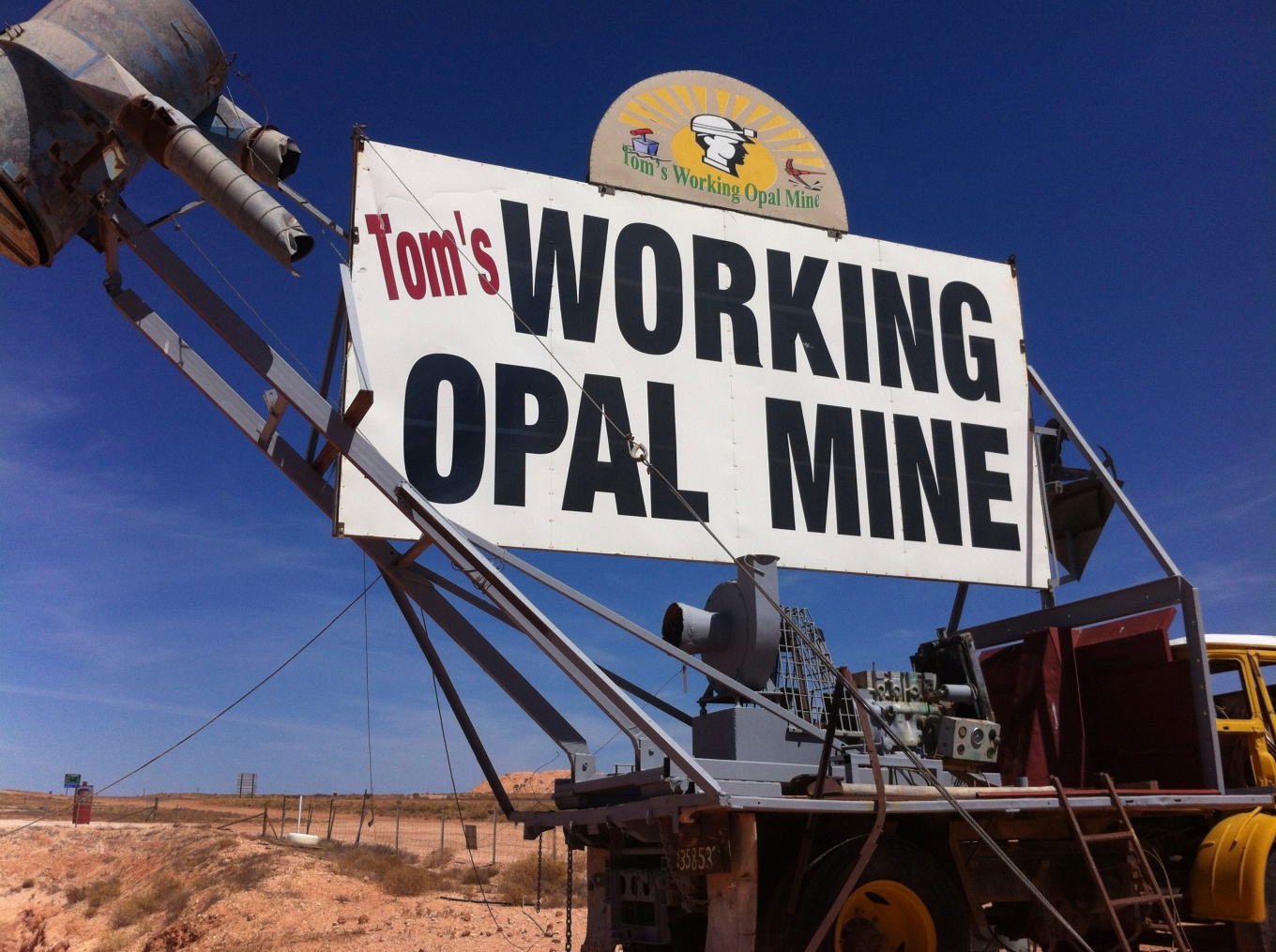 Tom's working opal mine
